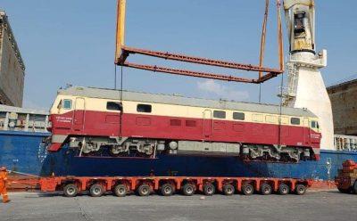 Equipo ferroviario llega a puerto de Veracruz para construcción del Tren Maya